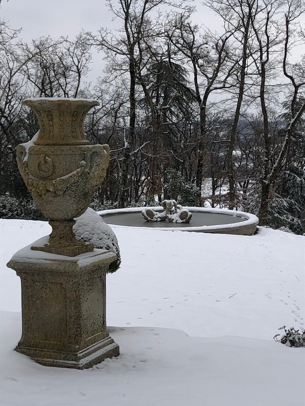 neige sur le jardin